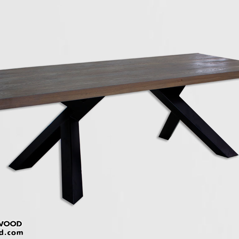 New model 2018 Dining table made of oak with metal legs.