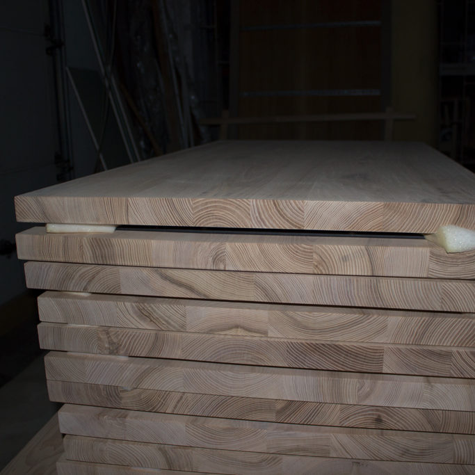 Side part of table-tops for tables from oak wood