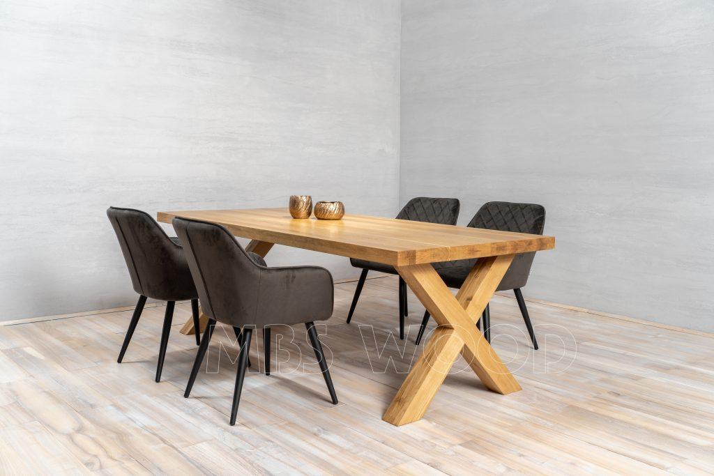 longue table à manger en chêne
