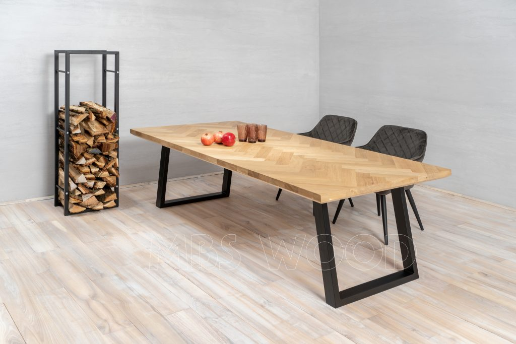 oak dining tabe with metal legs