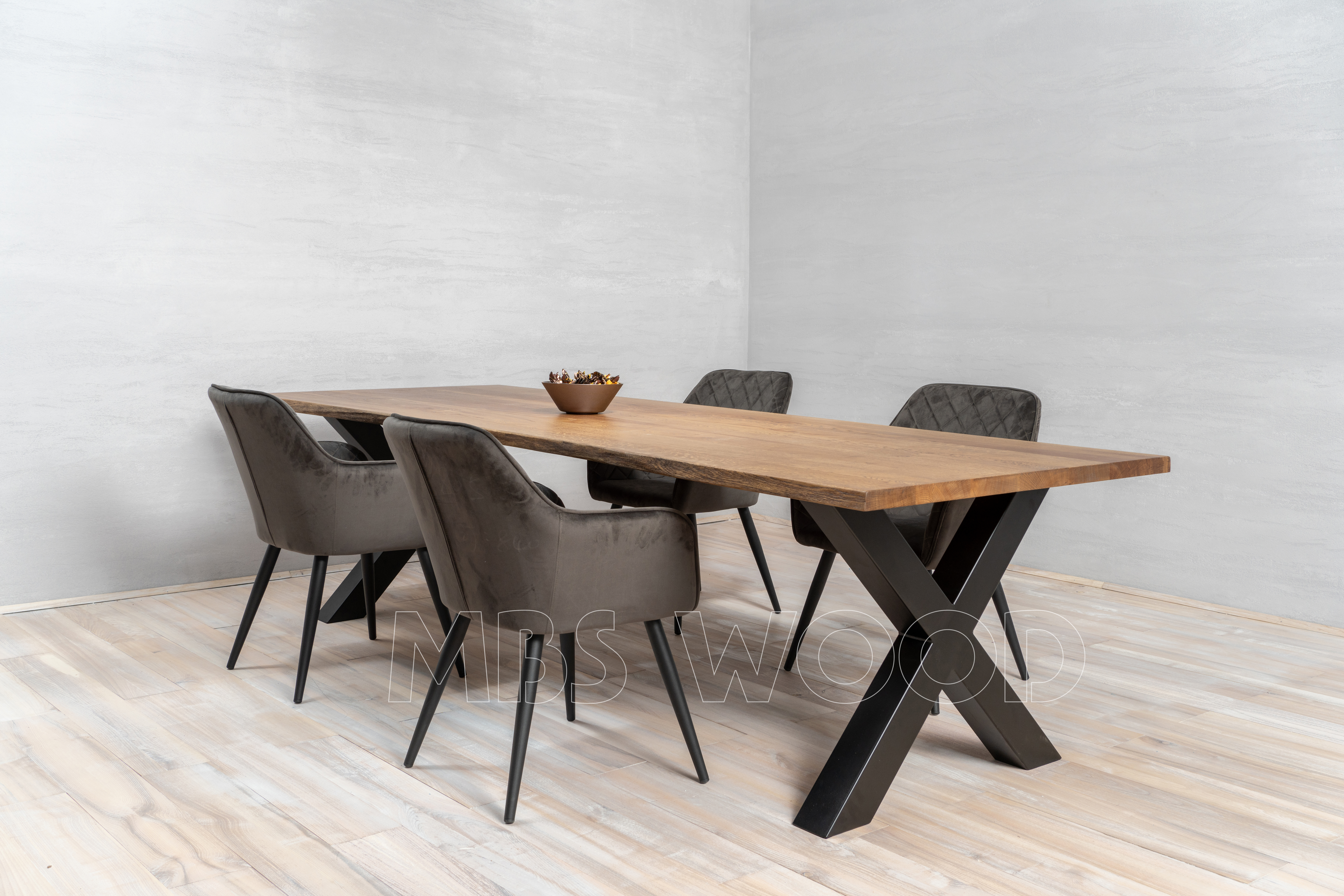 Production de tables en bois en chêne mbswood.com