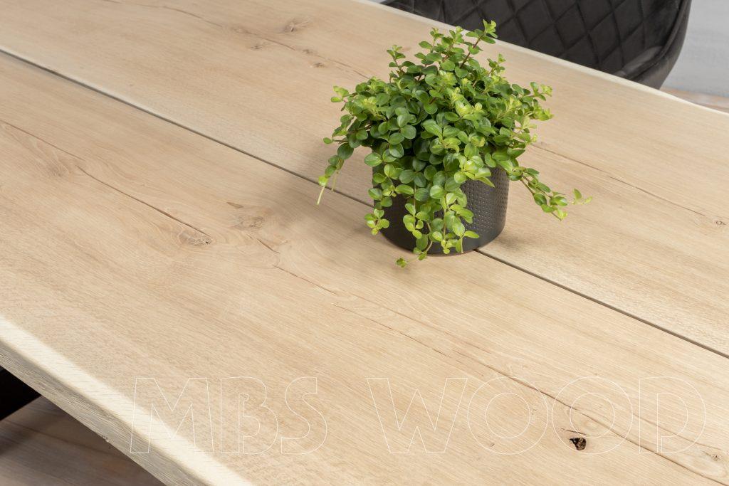 qualité de table en bois foto