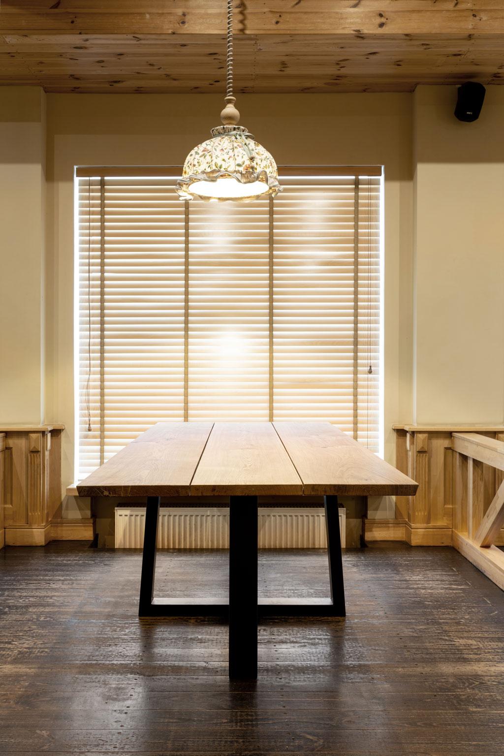Oak Table 3 planks